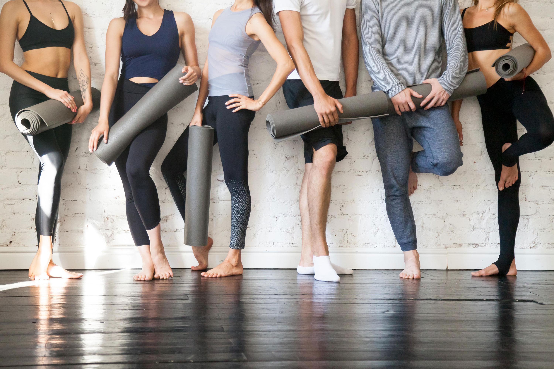 Kontaktiere uns beim Yoga